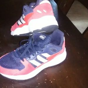 Adidas Chaos J youth size 5.5 shoes